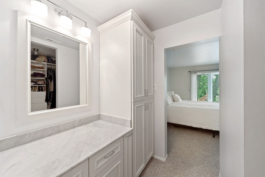 Real Estate Photography - 1649 N. Vine, Chicago, IL, 60614 - Dressing Area