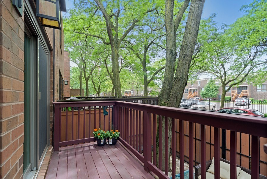 Real Estate Photography - 1649 N. Vine, Chicago, IL, 60614 - Deck