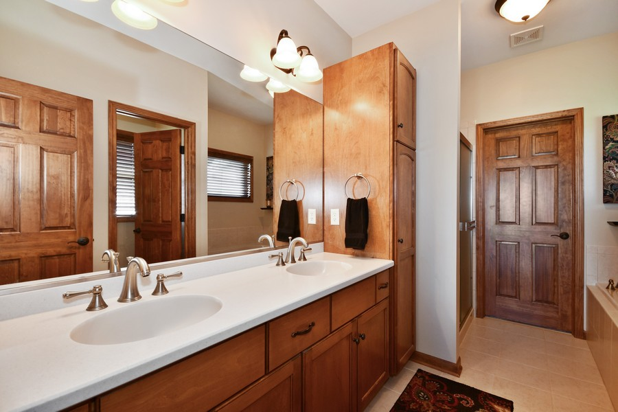 Real Estate Photography - 00N678 King Drive, Geneva, IL, 60134 - Master Bathroom