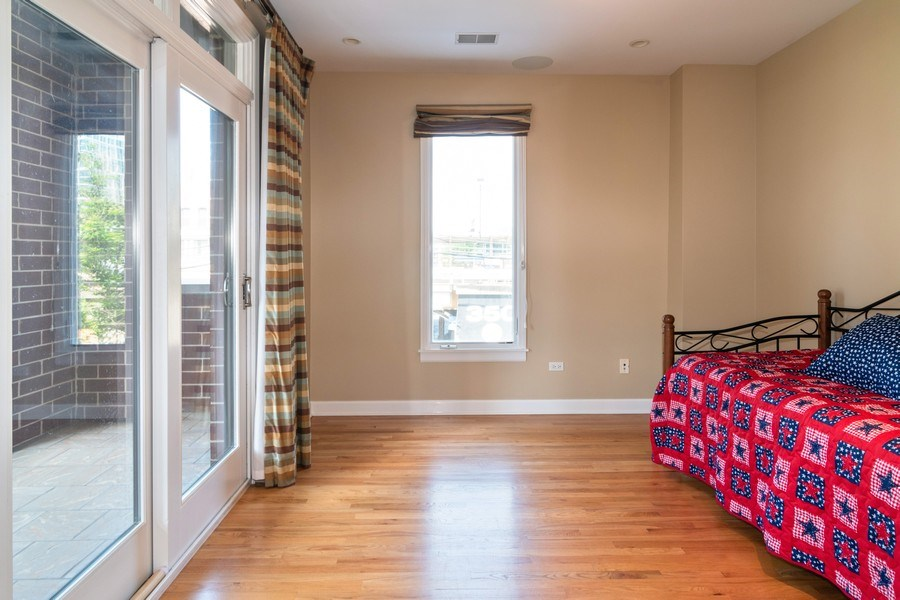 Real Estate Photography - 110 S Marion Ave, Unit 208, Oak Park, IL, 60302 - 3rd Bedroom