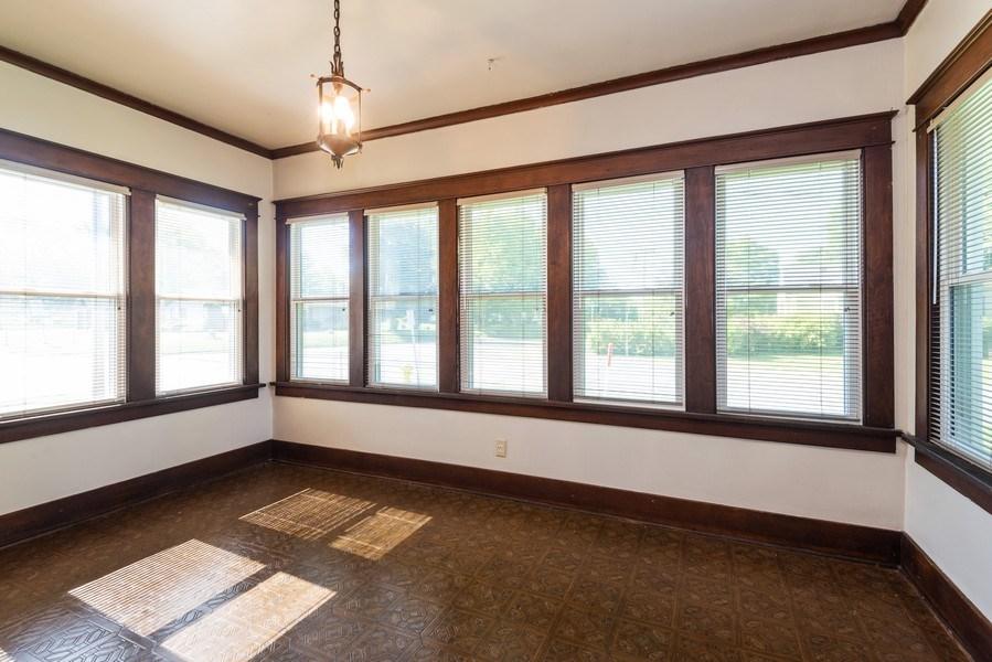 Real Estate Photography - 907 N Main Street, Watervliet, MI, 49098 - Sun Room