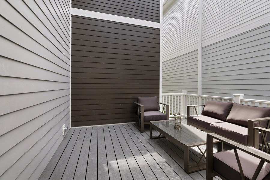 Real Estate Photography - 1235 Parker, Glenview, IL, 60025 - Deck