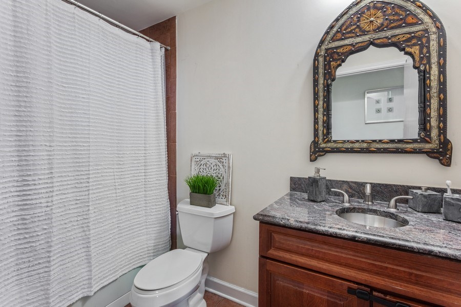 Real Estate Photography - 1841 S Calumet Ave, Unit 2004, Chicago, IL, 60616 - Bathroom