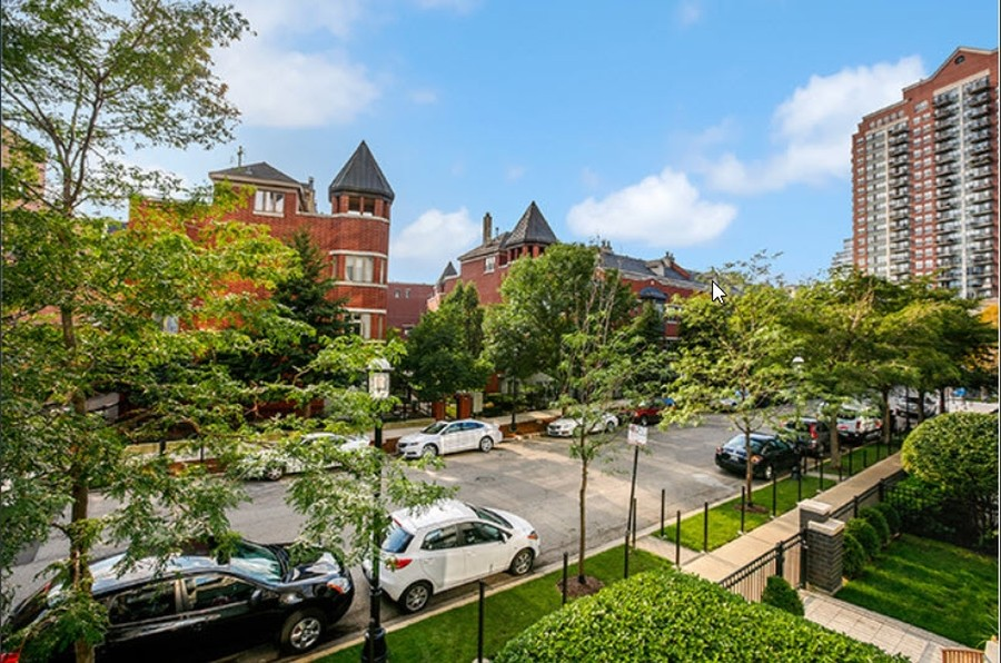 Real Estate Photography - 1841 S Calumet Ave, Unit 2004, Chicago, IL, 60616 -