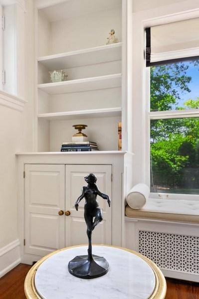Real Estate Photography - 690 Elder, Winnetka, IL, 60091 - Living Room