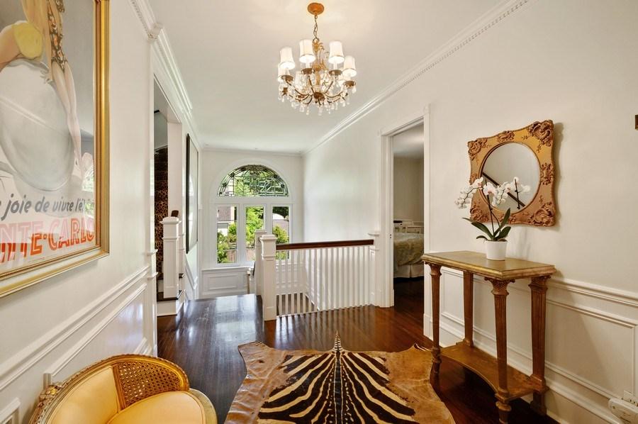 Real Estate Photography - 690 Elder, Winnetka, IL, 60091 - 2nd Floor Corridor