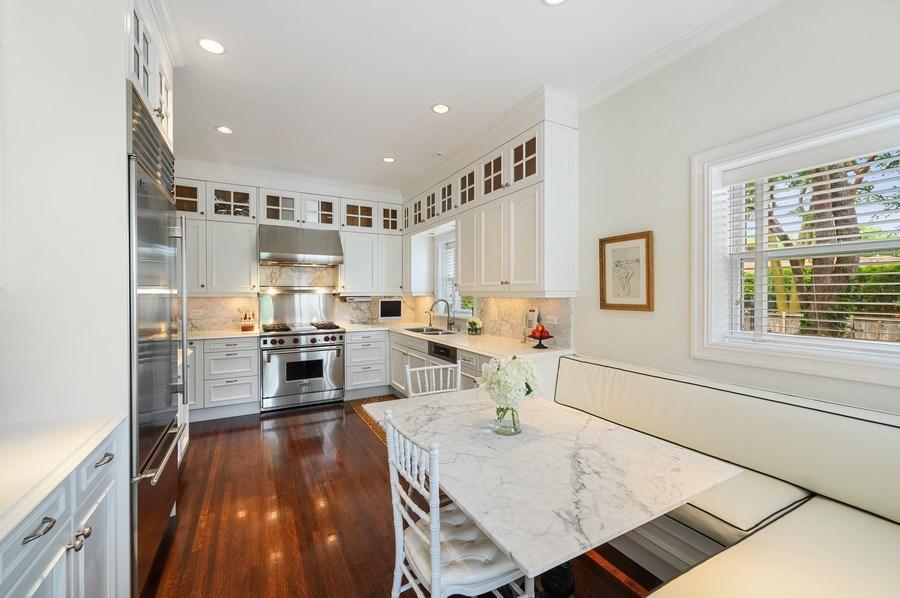 Real Estate Photography - 690 Elder, Winnetka, IL, 60091 - Kitchen / Breakfast Room