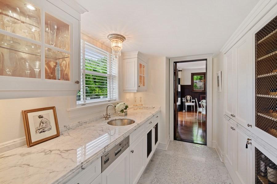 Real Estate Photography - 690 Elder, Winnetka, IL, 60091 - Butler's pantry