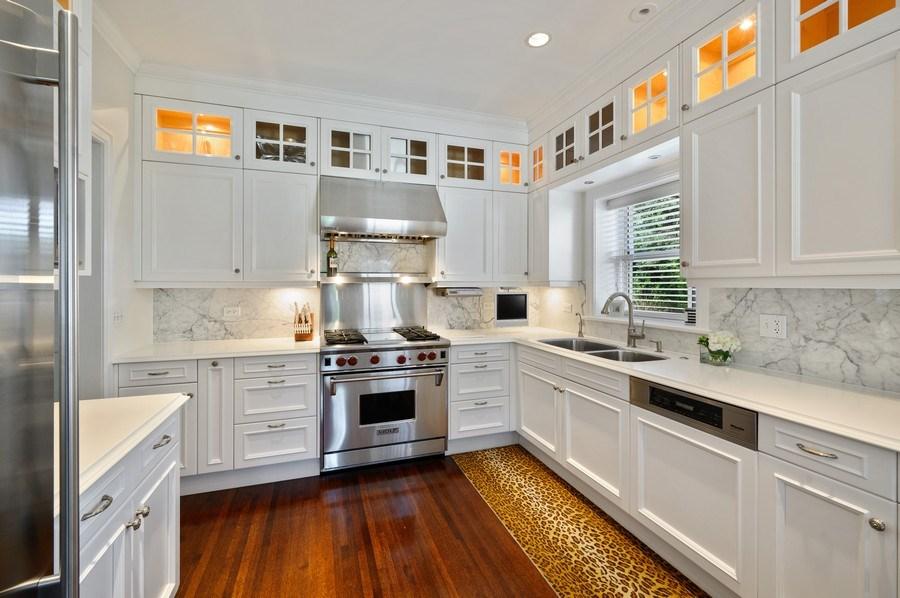 Real Estate Photography - 690 Elder, Winnetka, IL, 60091 - Kitchen