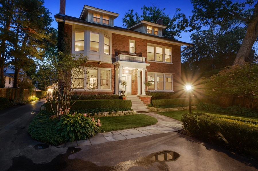 Real Estate Photography - 690 Elder, Winnetka, IL, 60091 - Front View