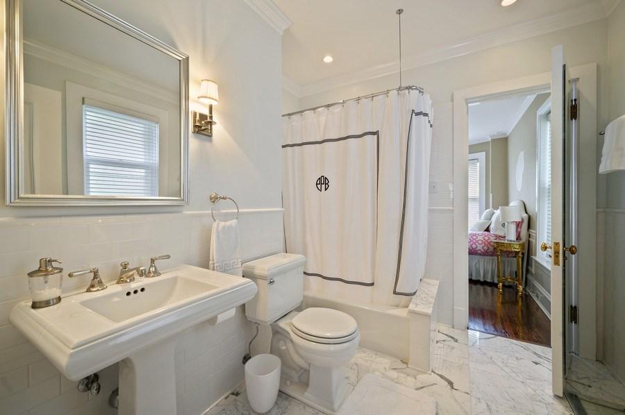 Real Estate Photography - 690 Elder, Winnetka, IL, 60091 - 2nd Bathroom