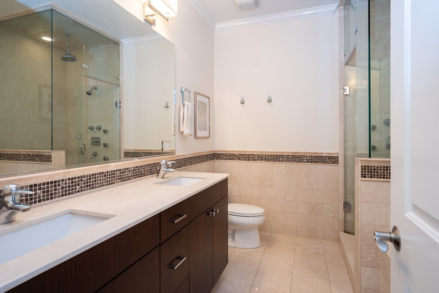 Real Estate Photography - 1025 W Monroe Street, #4E, Chicago, IL, 60607 - Master Bathroom