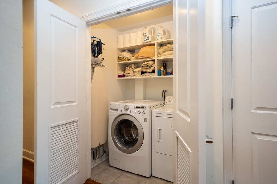 Real Estate Photography - 1025 W Monroe Street, #4E, Chicago, IL, 60607 - Laundry Room