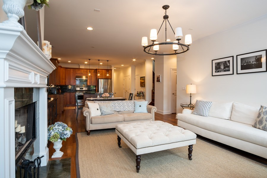 Real Estate Photography - 1025 W Monroe Street, #4E, Chicago, IL, 60607 - Living Room / Kitchen
