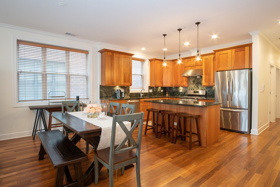 Real Estate Photography - 1025 W Monroe Street, #4E, Chicago, IL, 60607 - Kitchen / Dining Room
