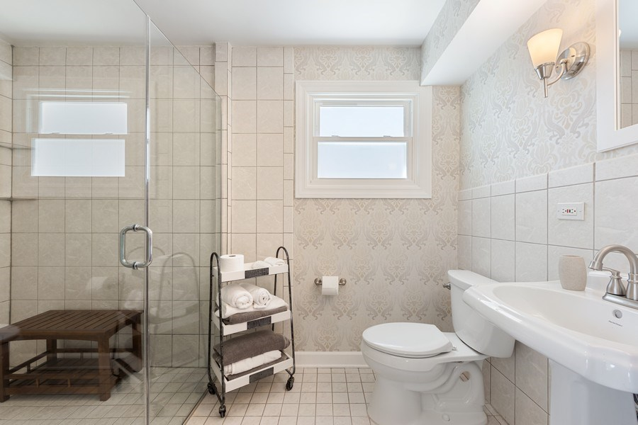 Real Estate Photography - 1423 N Chestnut Ave, Arlington Heights, IL, 60004 - 3rd Bathroom