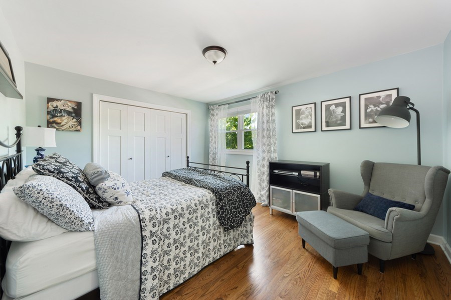 Real Estate Photography - 1423 N Chestnut Ave, Arlington Heights, IL, 60004 - 2nd Bedroom