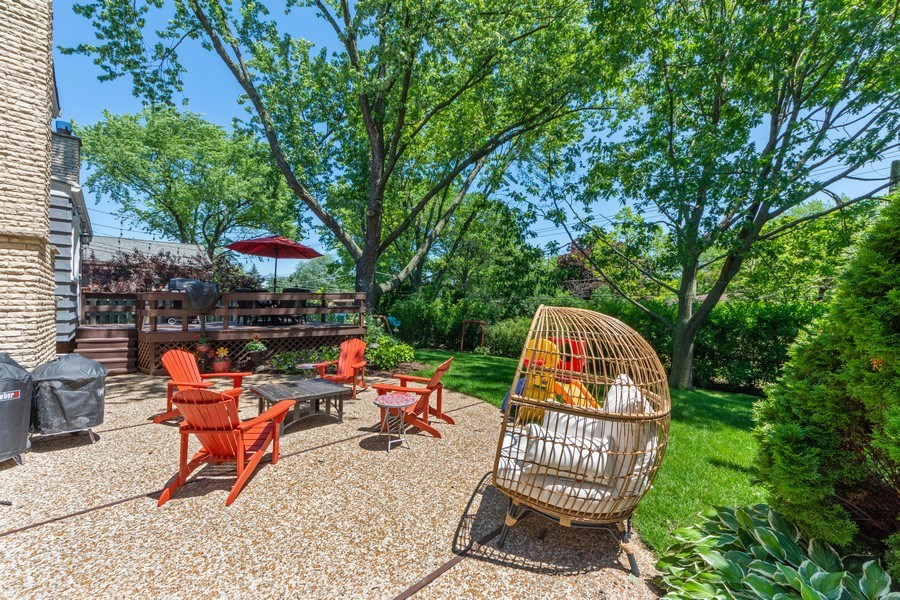 Real Estate Photography - 1423 N Chestnut Ave, Arlington Heights, IL, 60004 - Patio