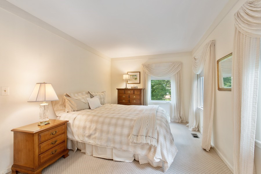 Real Estate Photography - 417 Pebblebrook Rd, Northbrook, IL, 60062 - 3rd Bedroom