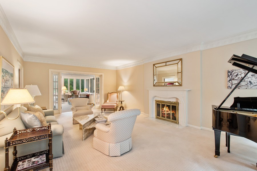Real Estate Photography - 417 Pebblebrook Rd, Northbrook, IL, 60062 - Living Room