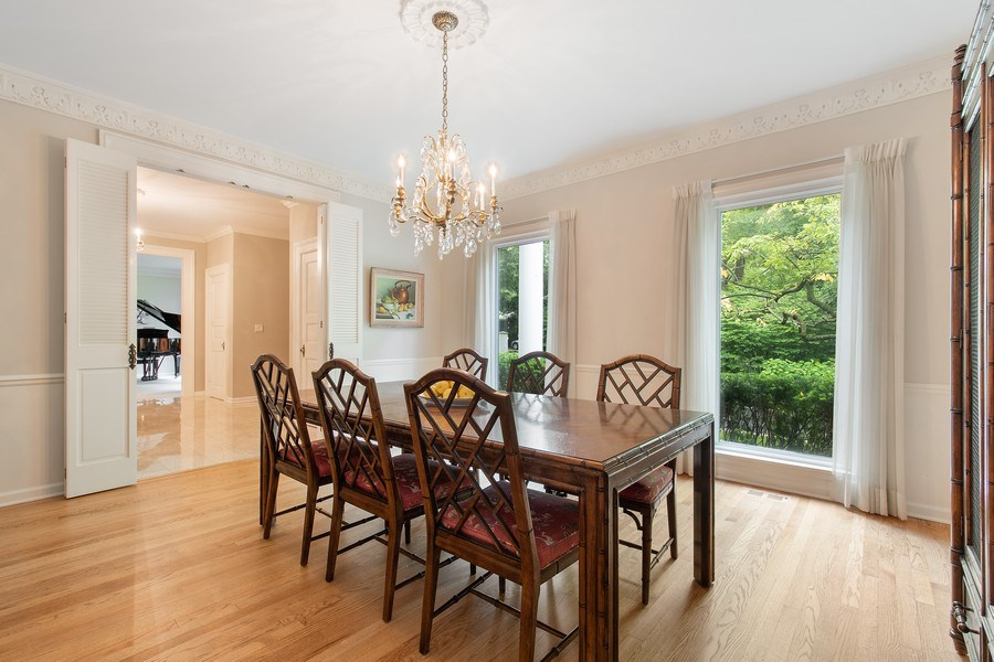 Real Estate Photography - 417 Pebblebrook Rd, Northbrook, IL, 60062 - Dining Room