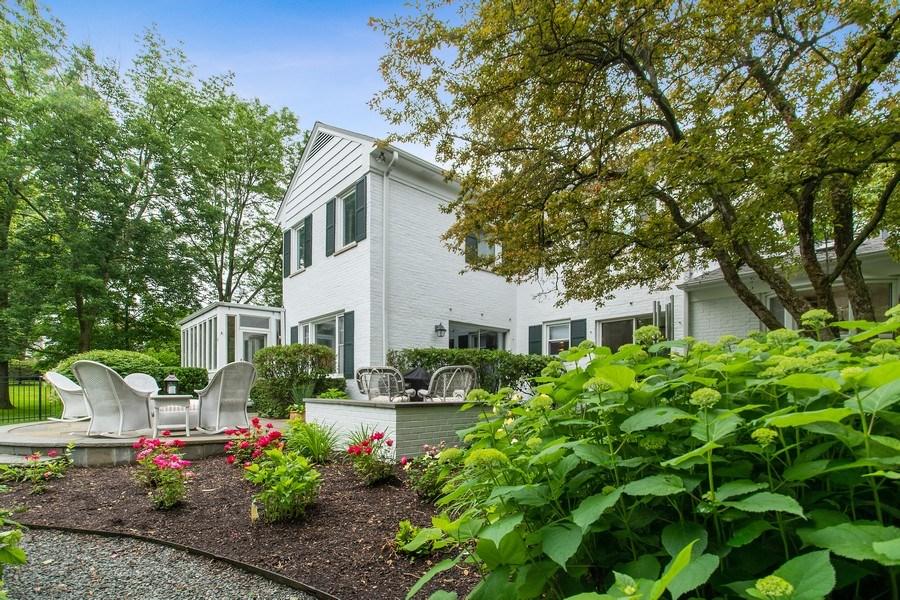 Real Estate Photography - 417 Pebblebrook Rd, Northbrook, IL, 60062 - Back Yard