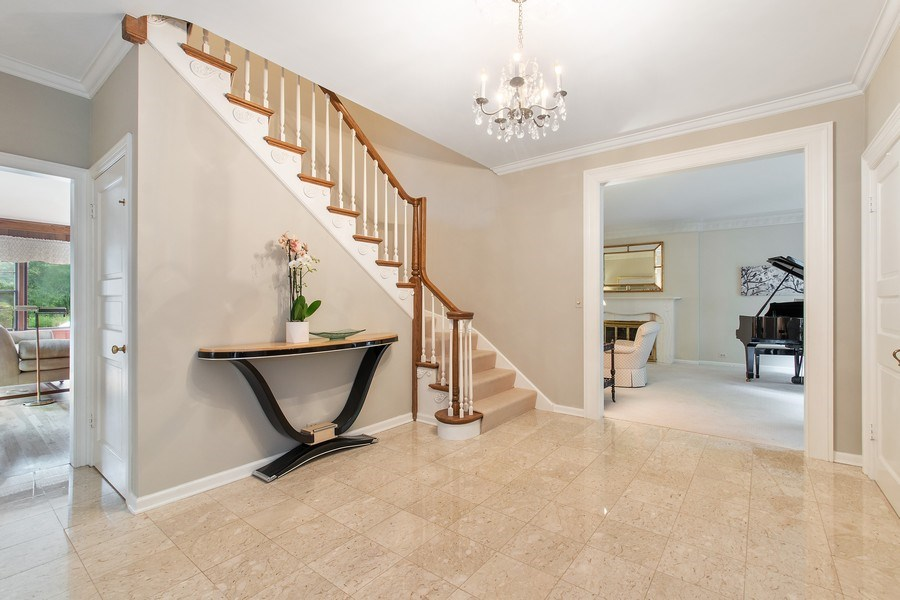Real Estate Photography - 417 Pebblebrook Rd, Northbrook, IL, 60062 - Foyer
