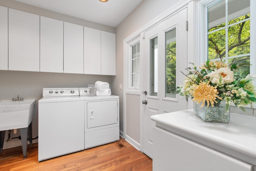 Real Estate Photography - 417 Pebblebrook Rd, Northbrook, IL, 60062 - Laundry Room