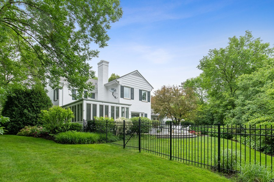 Real Estate Photography - 417 Pebblebrook Rd, Northbrook, IL, 60062 - Rear View