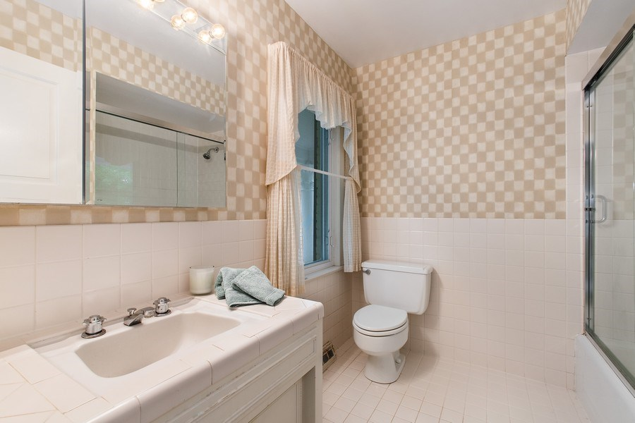 Real Estate Photography - 417 Pebblebrook Rd, Northbrook, IL, 60062 - Bathroom