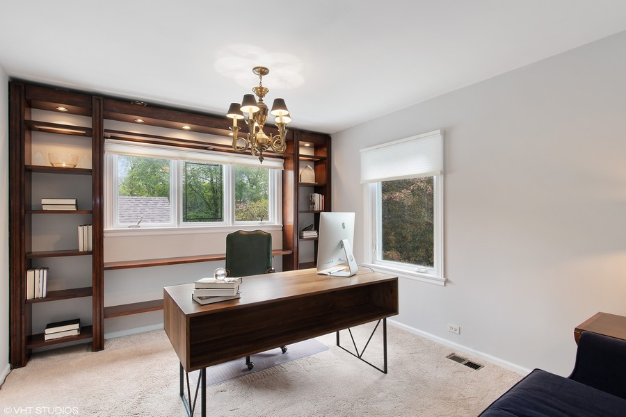 Real Estate Photography - 417 Pebblebrook Rd, Northbrook, IL, 60062 - Bedroom (used as office)