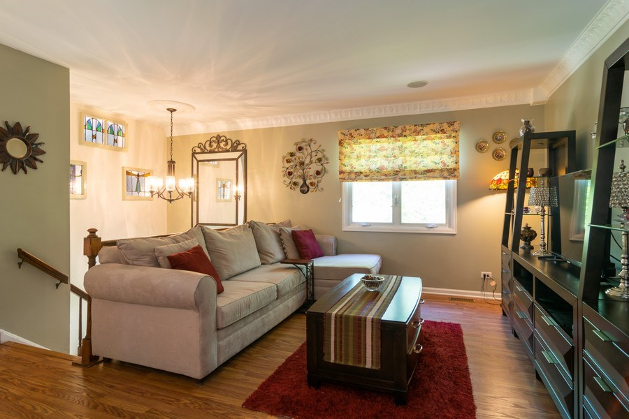 Real Estate Photography - 276 Hill Ave, Bartlett, IL, 60103 - Living Room