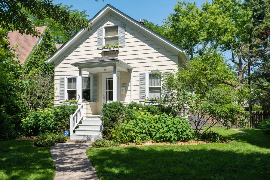 Real Estate Photography - 2323 Cowper Ave., Evanston, IL, 60201 - Front View