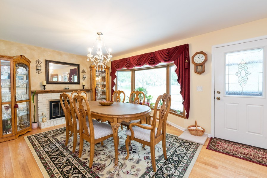 Real Estate Photography - 816 Sandra Ln., Fox River Grove, IL, 60021 - Dining Room