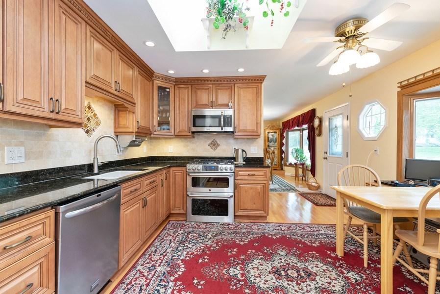 Real Estate Photography - 816 Sandra Ln., Fox River Grove, IL, 60021 - Kitchen