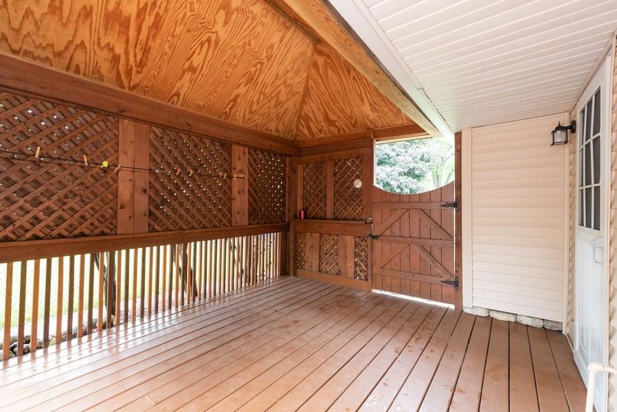 Real Estate Photography - 816 Sandra Ln., Fox River Grove, IL, 60021 - Porch