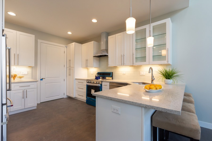 Real Estate Photography - 841, Maple, Palatine, IL, 60067 - Kitchen / Breakfast Room