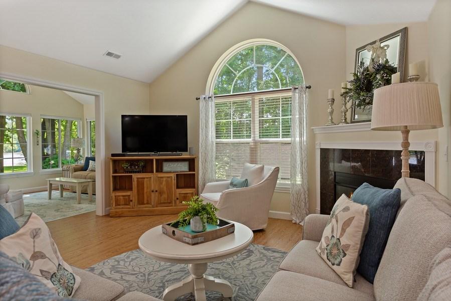 Real Estate Photography - 3072 Riverview Lane, Benton Harbor, MI, 49022 - Living Room
