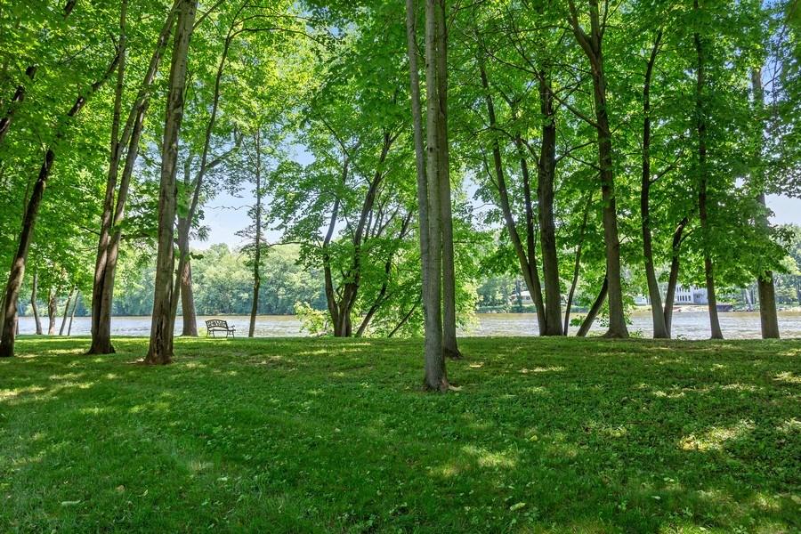 Real Estate Photography - 3072 Riverview Lane, Benton Harbor, MI, 49022 - Front Yard