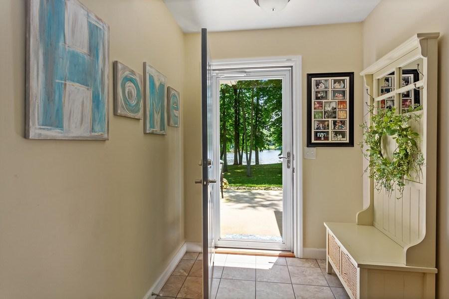 Real Estate Photography - 3072 Riverview Lane, Benton Harbor, MI, 49022 - Foyer