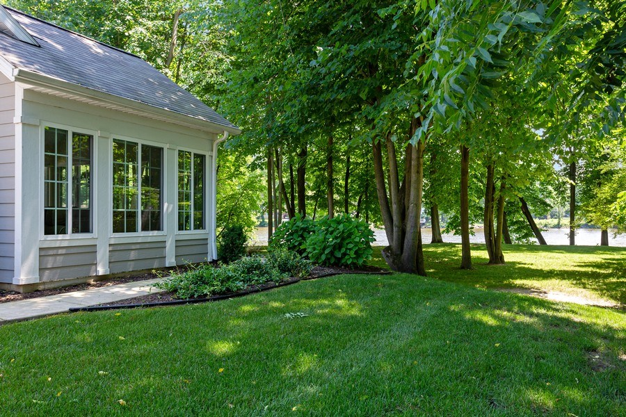 Real Estate Photography - 3072 Riverview Lane, Benton Harbor, MI, 49022 - Side View