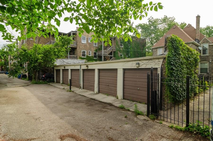Real Estate Photography - 4900 N Glenwood Ave, Chicago, IL, 60640 - Garage
