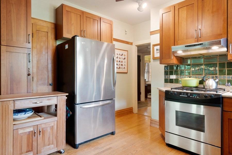 Real Estate Photography - 3032 Park Pl, Evanston, IL, 60201 - Kitchen