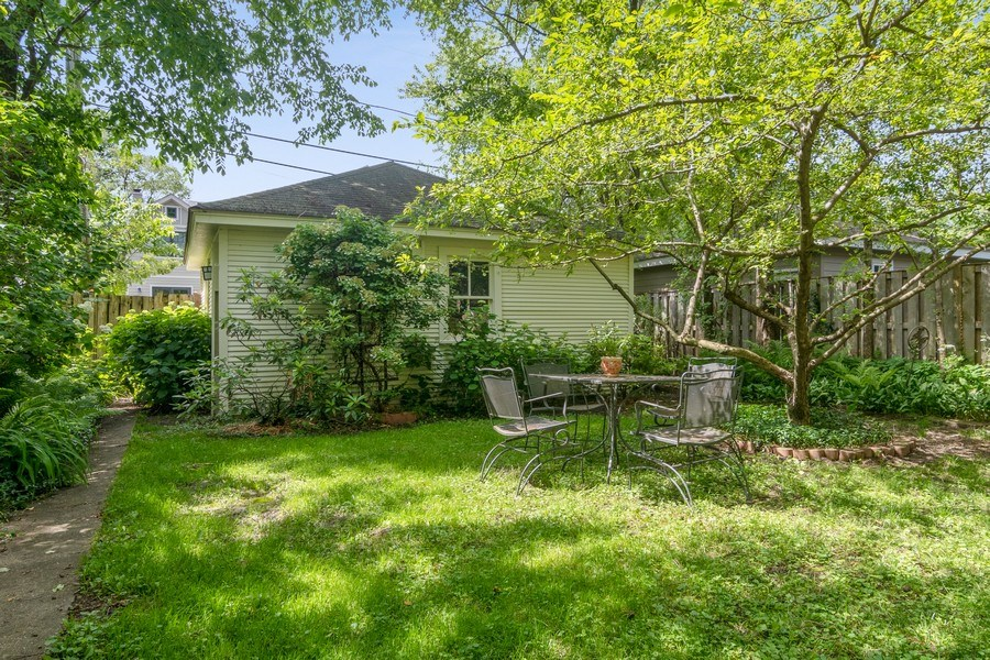 Real Estate Photography - 3032 Park Pl, Evanston, IL, 60201 - Back Yard