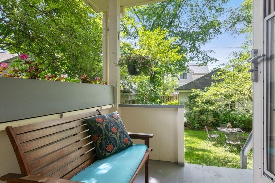 Real Estate Photography - 3032 Park Pl, Evanston, IL, 60201 - Porch