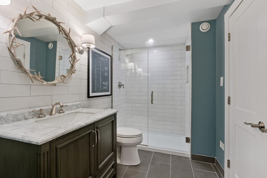 Real Estate Photography - 815 W Altgeld, Unit 2N, Chicago, IL, 60614 - 3rd Bathroom