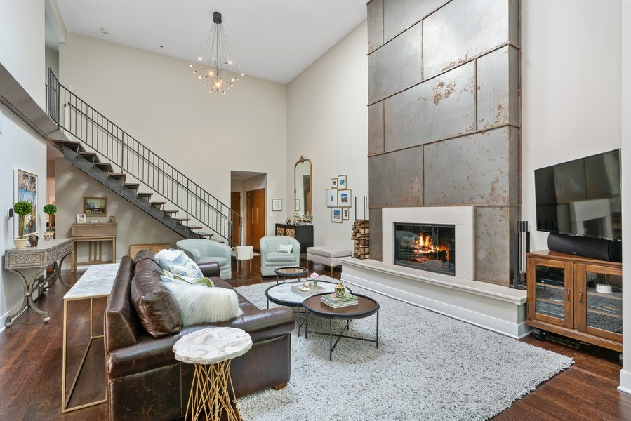 Real Estate Photography - 815 W Altgeld, Unit 2N, Chicago, IL, 60614 - Living Room