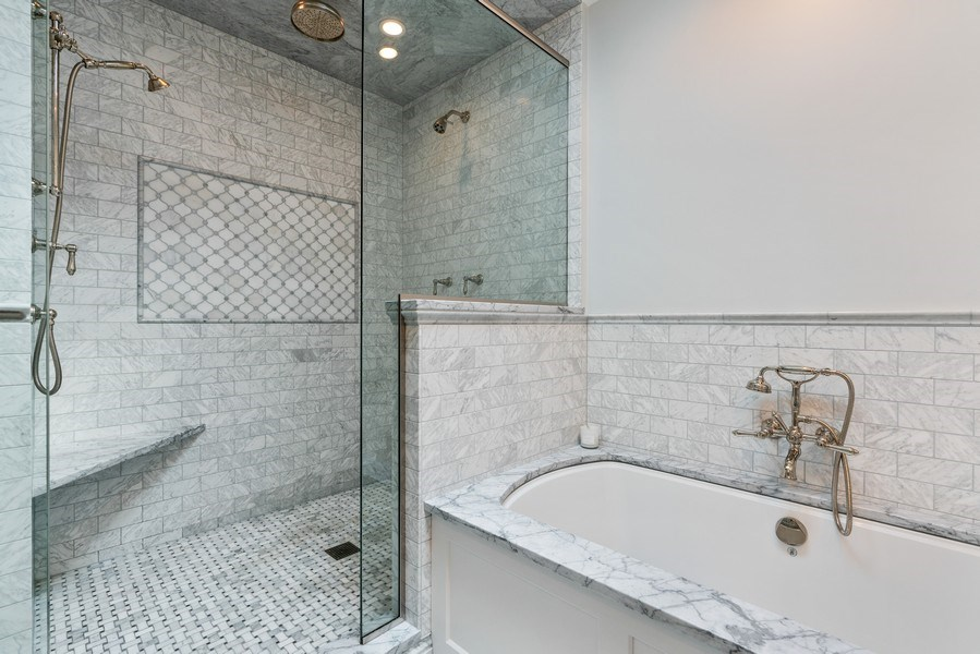 Real Estate Photography - 815 W Altgeld, Unit 2N, Chicago, IL, 60614 - Master Bathroom