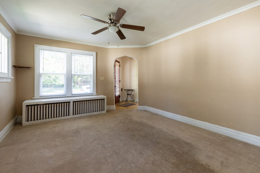 Real Estate Photography - 1624 Hyde Park Ave, Waukegan, IL, 60085 - Living Room
