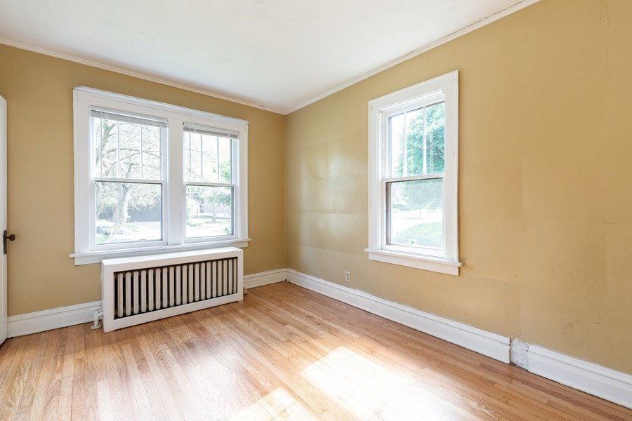 Real Estate Photography - 1624 Hyde Park Ave, Waukegan, IL, 60085 - Office